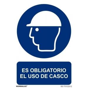 Señal obligacion uso casco pvc 210x300x0,7mm NORMALUZ
