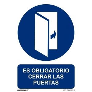 Señal obligacion cerrar las puertas pvc 210x300x0,7mm NORMALUZ