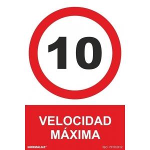 Señal velocidad maxima 10km/h pvc 210x300x0,7mm NORMALUZ