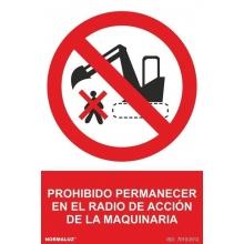 """Señal adhesiva """"Prohibido estar en radio de accion de maqui NORMALUZ"""