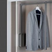 Emuca Colgador abatible para armario, regulable 450-600 mm, hasta 12 Kg, Acero, Titanio